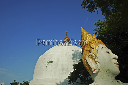 myanmar mandalay white buddha statues and
