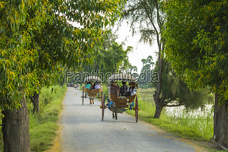 myanmar mandalay inwa tourists travel the