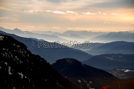 skiing, insouthern, tyrol - 28117270