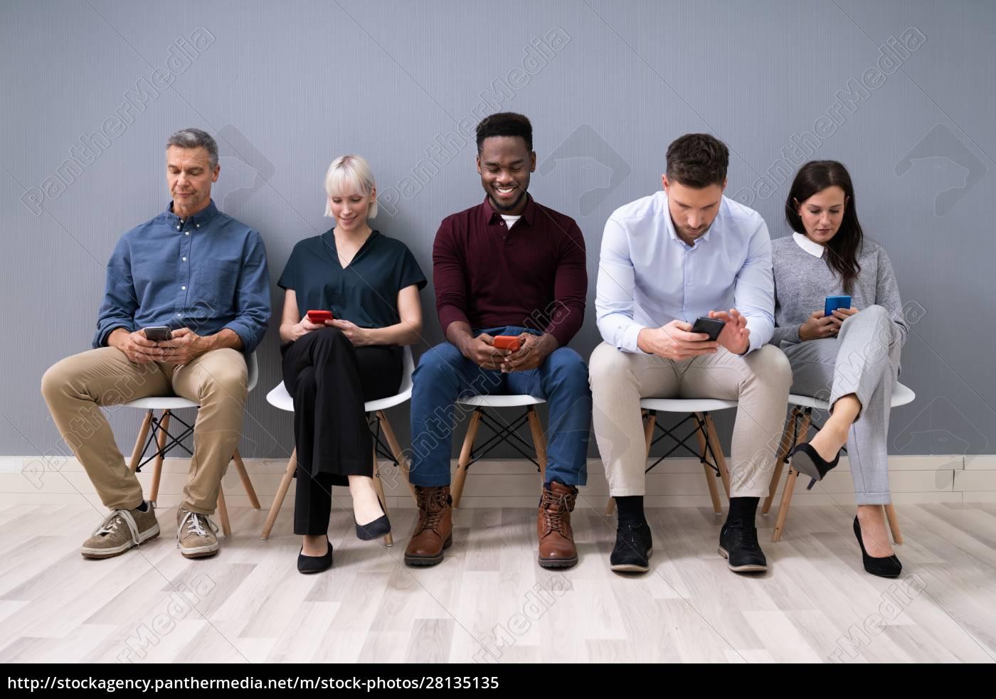 wnioskodawcy, korzystający, z, telefonów, komórkowych - 28135135