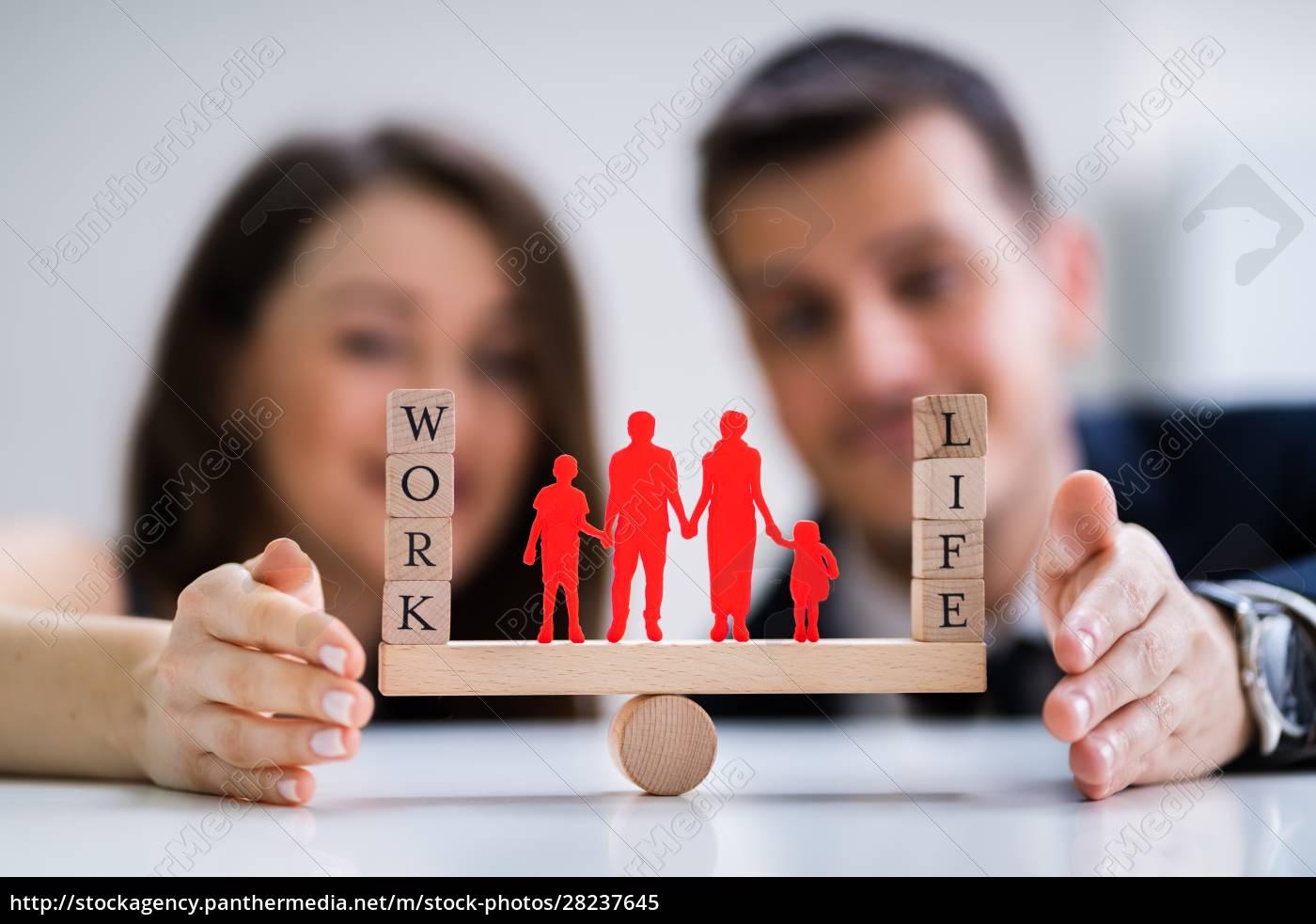 para, chroniąca, równowagę, między, pracą, a - 28237645