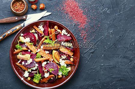 zdrowa salatka jarzynowa