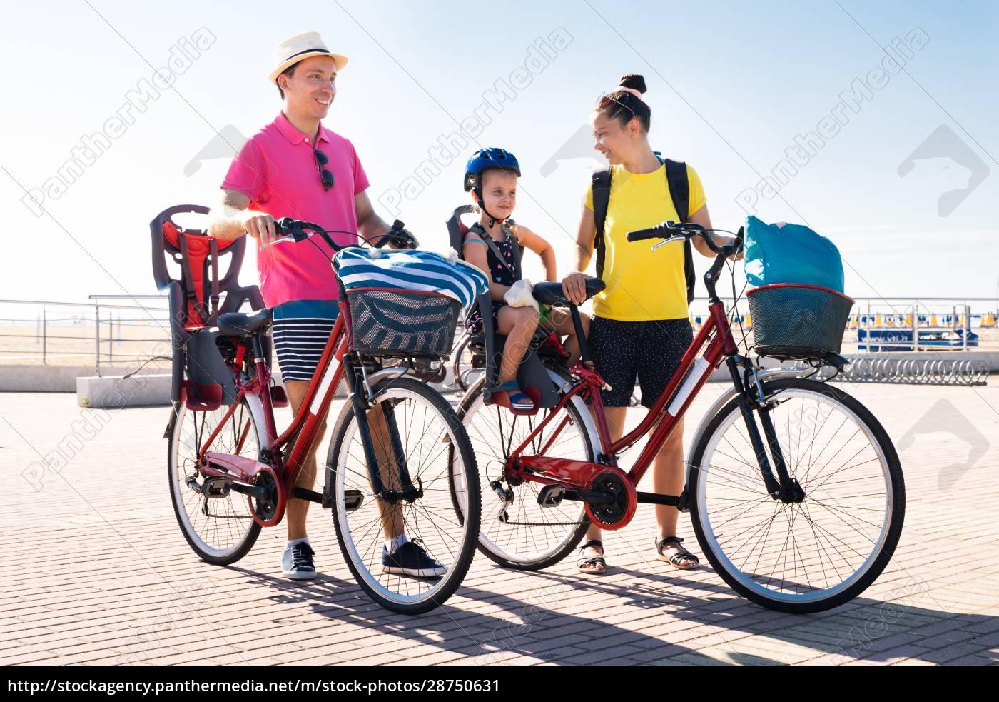 rodzinny, rower, na, zewnątrz - 28750631