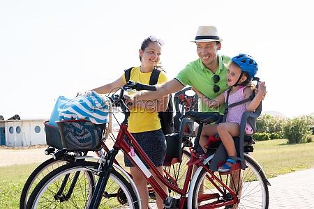 rodzinny rower na zewnatrz