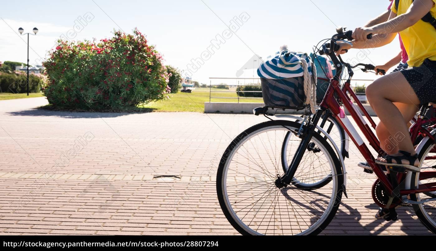 rodzinny, rower, na, zewnątrz - 28807294