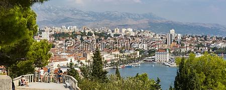 panoramiczny widok z nad miastem split