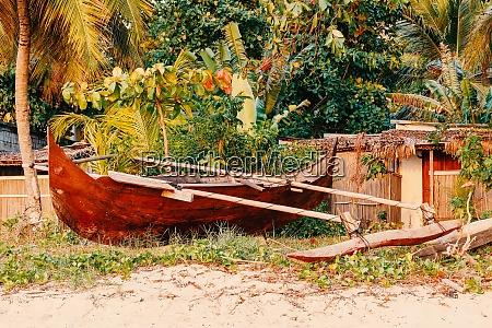 aborygenow malgaski drewniana reka wykonane rybak