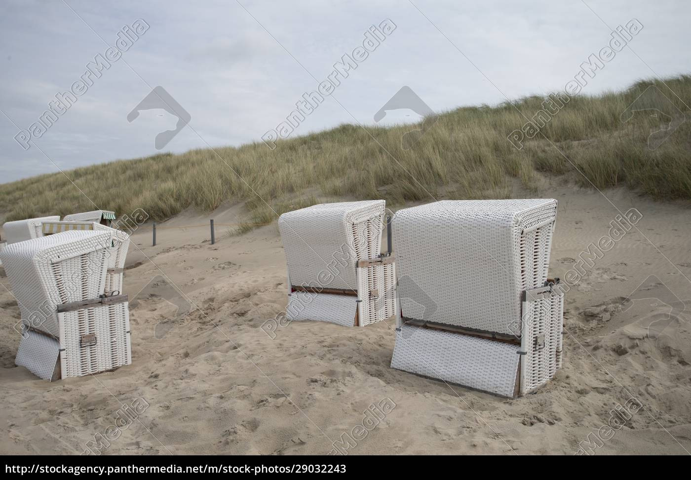beach, chairs, in, sand - 29032243