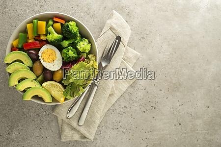 danie salatkowe salatka warzywo lekki posilek