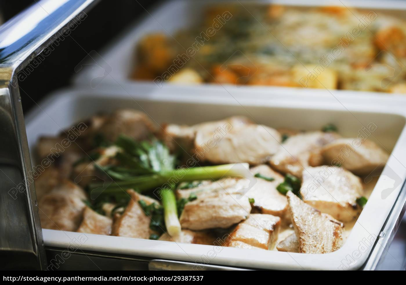 close-up, of, chicken, and, leek, in - 29387537