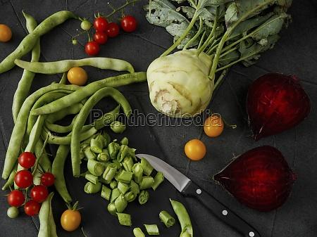 martwa natura warzyw z fasola pomidorami