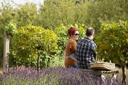 para, robi, sobie, przerwę, od, ogrodnictwa - 30217270