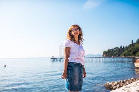 niebieski tlo niebo wakacje osoba jeden